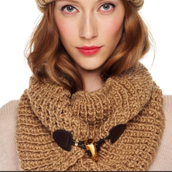 Michael Kors Toggle neck warmer/scarf.